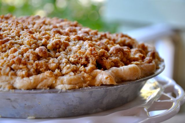 Old-Fashioned Apple Pie with Crumb Topping | Making Life Delicious ...