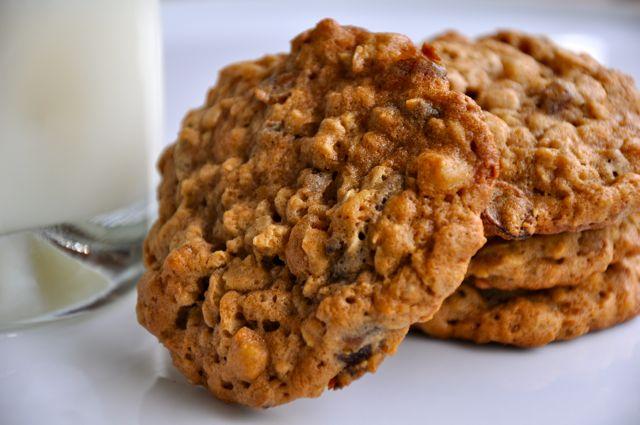 recipe: oatmeal date walnut cookies [3]