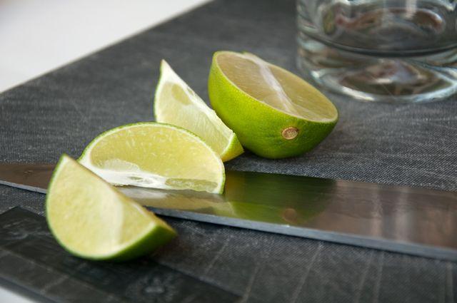 how to cut limes for caipirinha